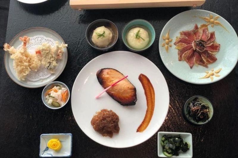ארוחת אומקאסה מסעדת יאקימונו