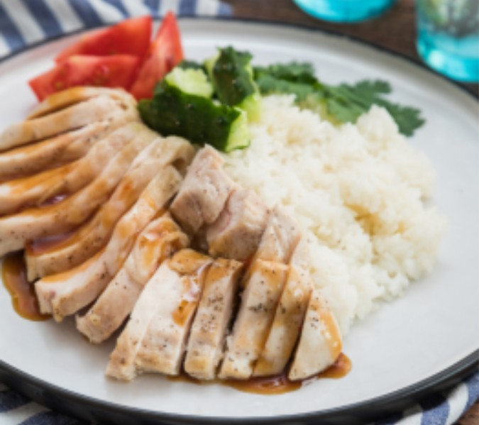 עוף ואורז בסגנון אסייתי
